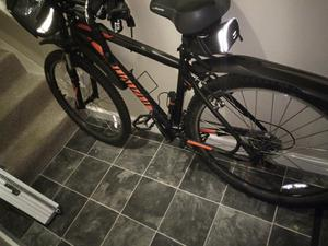 Specialized Pitch 650B  Mountain Bike 21 speed