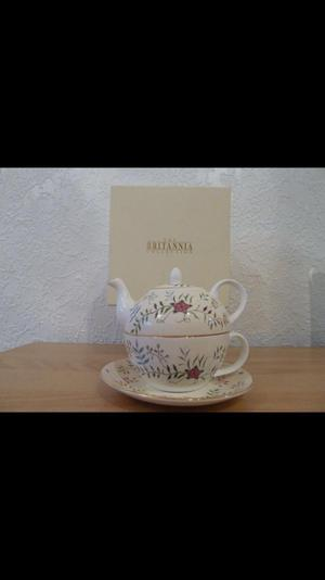 The royal yacht Britannia tea for one set *new*