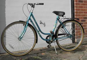 Universal Ladies Bicycle with 3 Speed Sturmey Archer Gears
