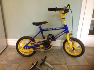 child's bike with stabilisers age 2-5