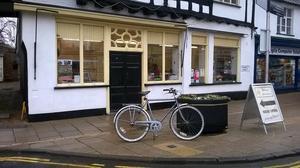 vintage gents 3 speed town bike peugeot bike rack bicycle