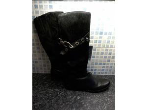 BLACK STUNNING LEATHER & SKIN KNEE HIGH BOOTS. in Hull
