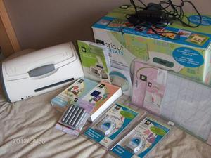 Cricut Create Machine with lots of extras