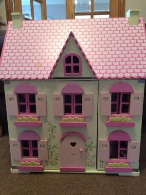 Dolls house (wooden)