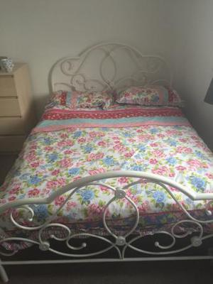 Double bed Frame and Matress (135cm/4ft6)