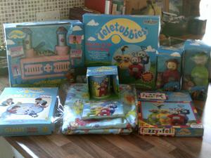 LARGE COLLECTION OF TELETUBBIES ITEMS, PLASTER CAST/TUBBY