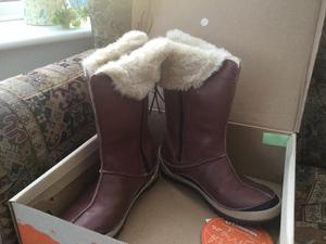 Ladies boots. Merrill. Size 6/39.Oslo waterproof.Never worn. In original box. Great pressie.