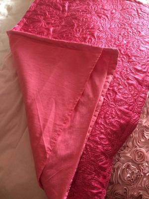 Pink quilted Coloroll bed throw with 2 matching pillow cases