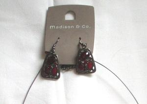 BRAND NEW NECKLACE & EARRING SET.