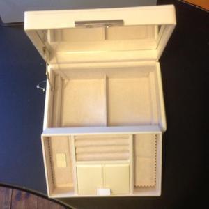 Brand new jewellery box in cream