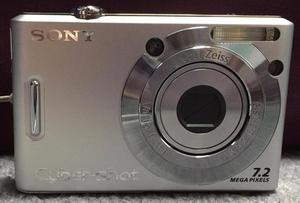 Digital Camera: Sony Cybershot DSC-W35 & Accessories