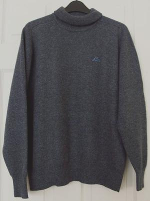 GORGEOUS MENS NAVY LAMBSWOOL JUMPER BY KAPPA SZ M B17