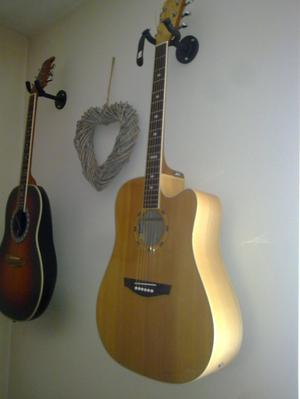 Jim Harley / Yamaha FG 420A / Encore roundback 7F-TS Guitars