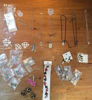 Job lot of jewellery at least 20 pieces