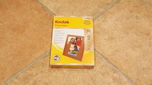 "KODAK GLOSS PHOTO PAPER INSTANT DRY (10 X 15 CM / 4"" X 6"")"