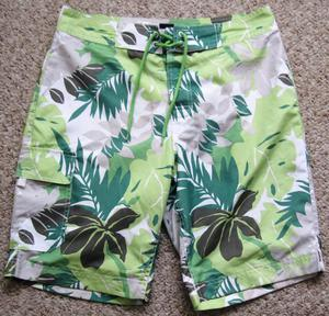 Mens Shorts and Swim Shorts, size S.