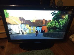 Samsung 37inch lcd tv vgc comes with remote