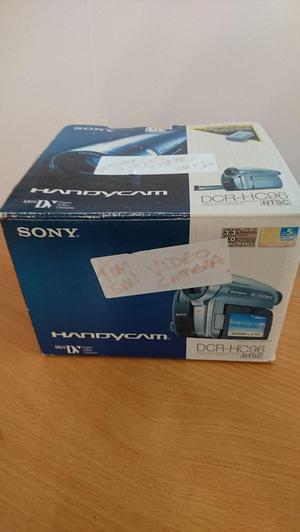 Sony Handycam DCR-HC96 Video Camera