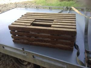 Wooden poultry boxes