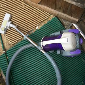 vaccum cleaner vgc hardly used watts