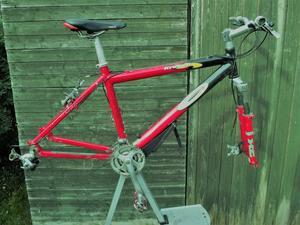Carrera Kraken Aluminium Mountain Bike Frame And Components