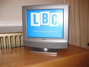 "Sony Bravia KDL-15G""LCD TV. With Remote & Power"