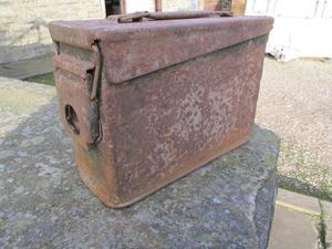 WW2 or Korean War American ammo box (S F Ltd)