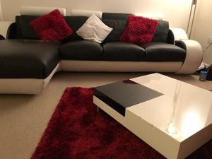 4 seater corner sofa+coffee table+ cushions