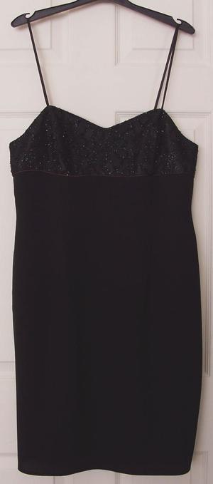 BEAUTIFUL LADIES BLACK EVENING DRESS BY PECHE - SZ 16