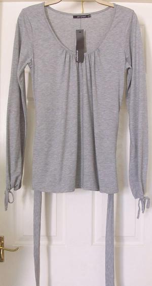 BNWT LIGHT GREY LONG SLEEVE TOP WITH TIE DETAIL - SZ 16