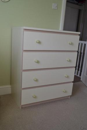 Baby chest of drawers