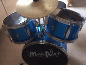Child's 3 piece drum kit