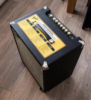Fender Rumble (vw Bass amplifier