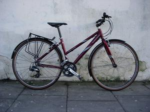 Ladies Hybrid/ Commuter Bike by Diamondback, Great Condition!!! JUST SERVICED/ CHEAP PRICE!!!!!!!!!!
