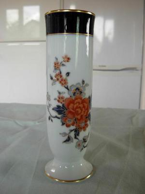 Noritake bud vase.