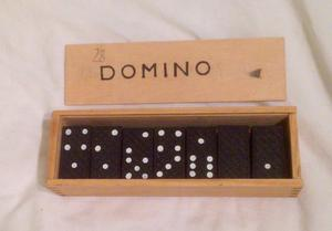 Wooden Dominoes Set in a Box. Fun Traditional Toy. Complete And Good Condition.