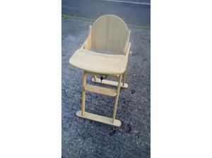 Wooden High Chair, used but good condition in St. Neots