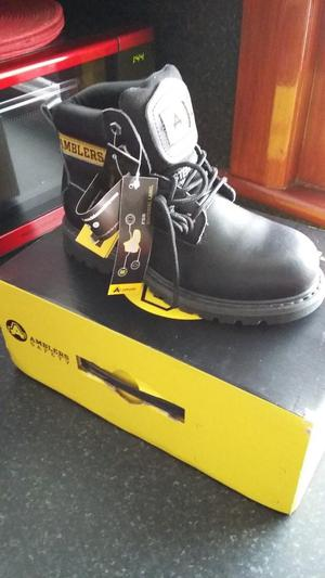 AMBLER SAFETY BOOTS BRAND NEW AND BOXED