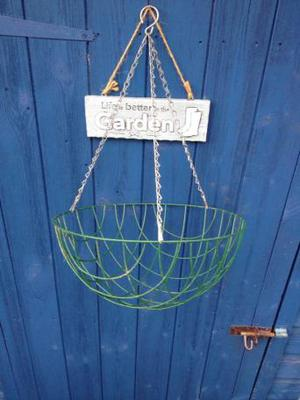 Green metal hanging baskets x5