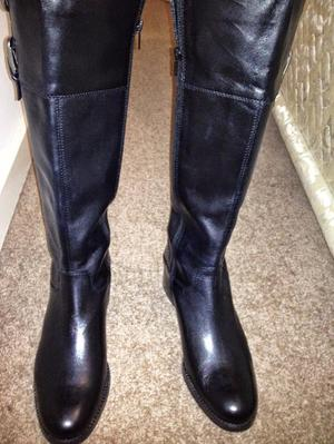 New Black Italian Leather boots in 7 Wide calf.