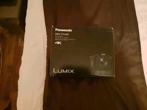 Panasonic DMC-FZEB Lumix Bridge Camera (mm LEICA DC Lens, 20.1MP)