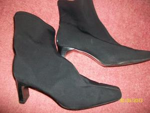 black boots worn few hrs, size 6, or others & shoes can post