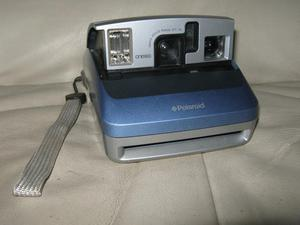 POLAROID ONE 600 INSTANT FOLDING CAMERA & CAMERA CASES from