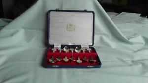 QUEEN'S JUBILEE BOXED SET OF SILVER PLATED SPOONS