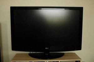 "42"" LG LCD TV FREEVIEW HDMI PORTS REMOTE CAN DELIVER BARGAIN"