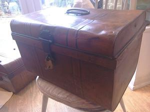 Antique Tin trunk with padlock and key