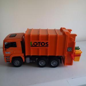 Bruder Dustbin Lorry