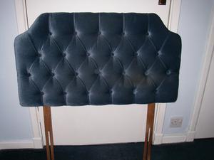 Cushioned headboard single