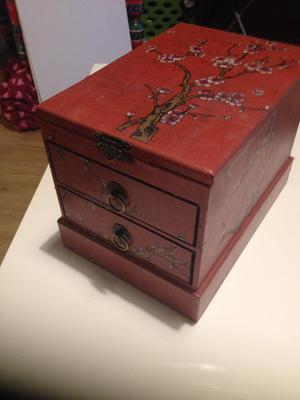 Jewellery box with drawers and mirror