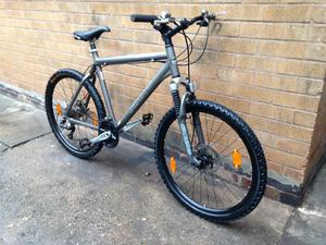 Men's Top Spec Giant Hardtail Mountain bike in GOOD Condition